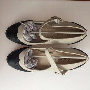 ModCloth Spectator Heels